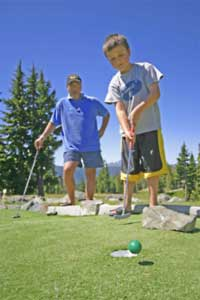 Disc Golf, Minigolf, Bungee Trampoline, Horseback Riding and many special events make Mount Washington a special place to bring your kids to in the summer.
