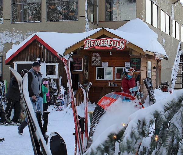 Sweet treats and hot drinks available at BeaverTails located at the front of the Mount Washington Alpine Lodge.