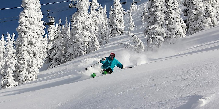 Skiers and borders are guaranteed 100 snow days for the 2015/16 winter season at Mount Washington Alpine Resort.