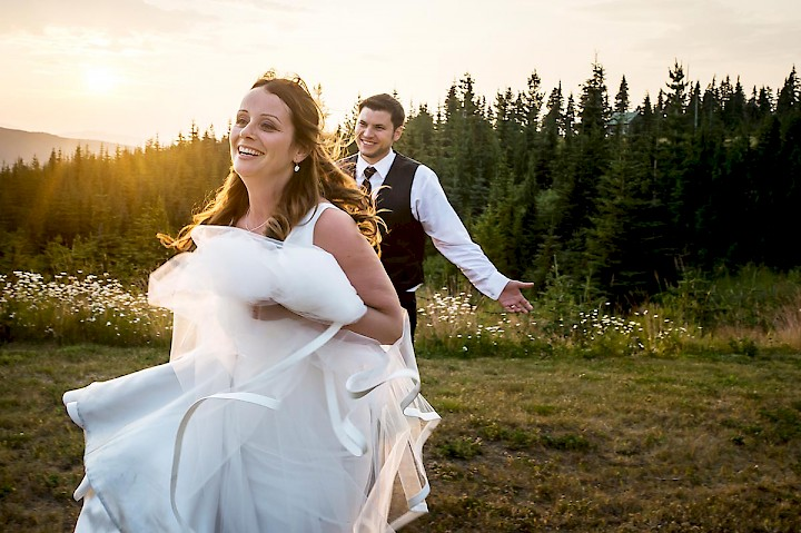 Mount Washington is an ideal setting for weddings, particularly when you consider the backdrop for wedding photos.