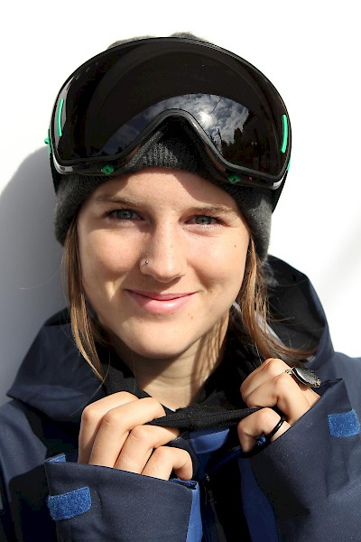 Cassie Sharpe joins the 2015/16 Canadian Freestyle Ski Team as a member of the Women's Halfpipe Team.